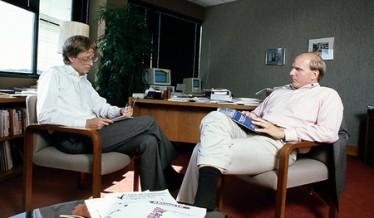 Bill Gates con il Macintosh!