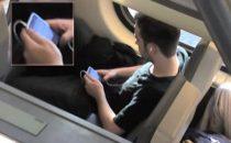 Ragazzo con iPhone