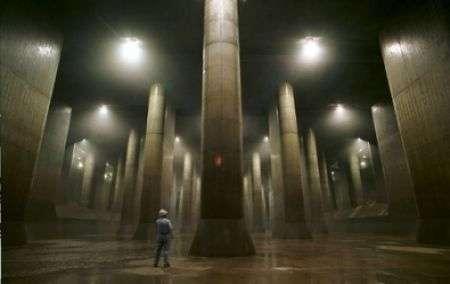 Le fognature di Tokyo sembrano cattedrali