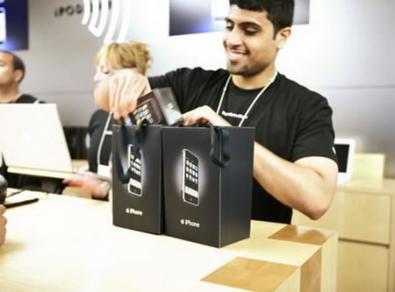 iPhone è lo smartphone più venduto a Luglio