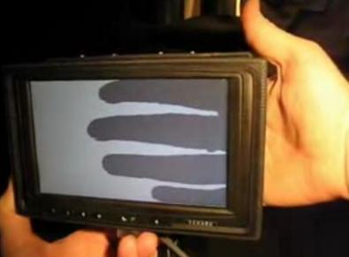 LucidTouch: touchscreen a sensibilità posteriore
