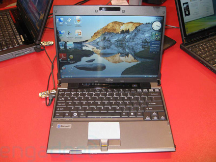 Fujitsu P8010 scheda tecnica