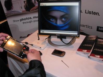 Quartics Mobile2Display collega cellulare a TV wireless