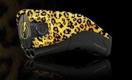Taser C2 leopardato e musicale con MPH