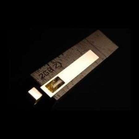 Zana Design: flash drive di legno, ambra e selce