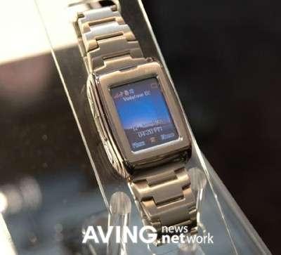 General Mobile GM500: orologio cellulare