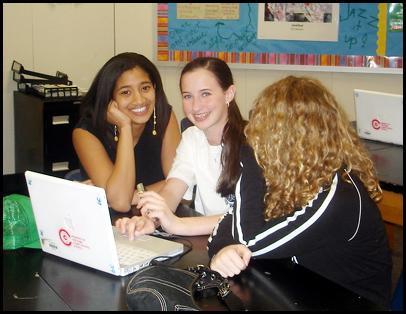 UK: metà degli studenti si collega a Facebook in classe