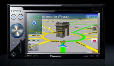 Pioneer AVIC-F: GPS e multimedialità