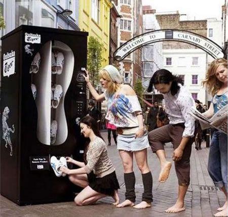 Distributore automatico di scarpe