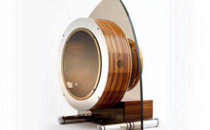 Suissa Enlighten: pc di legno