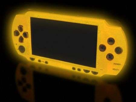 XCM Magic Night Glow: e la PSP diventa fosforescente