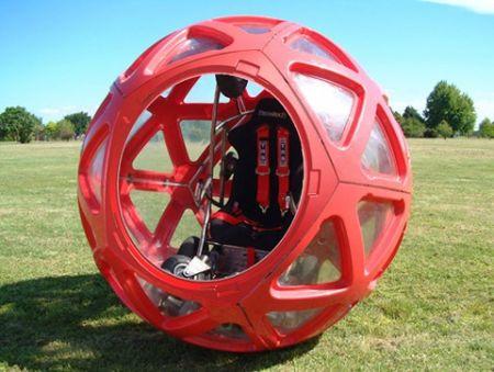 Evento Buzzball: viaggiare in una mega palla