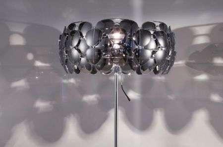Celebrity Lamp con 40 paia di occhiali a goccia