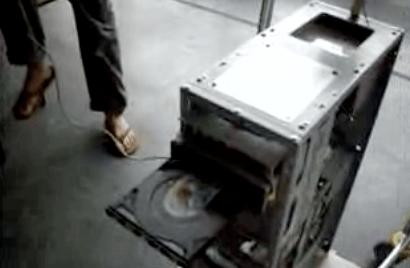 Vecchio PC trasformato in Jukebox