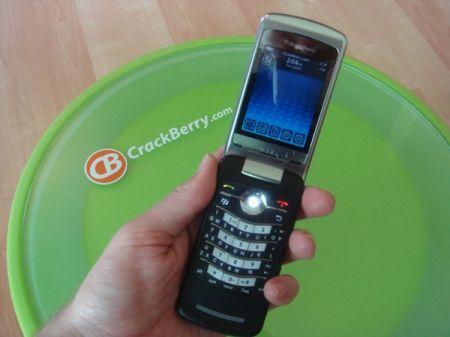 BlackBerry KickStart 8220 video