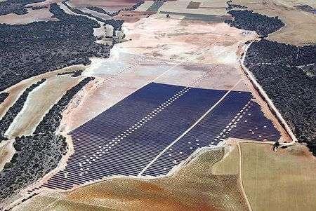 La centrale fotovoltaica più grande al mondo in Spagna