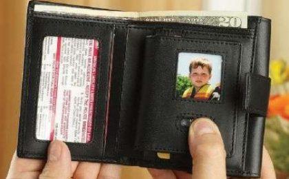 Portafoglio con portafoto digitale