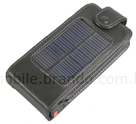 iPhone 3G: case con caricabatterie a energia solare