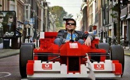 Ferrari di LEGO guidabile!