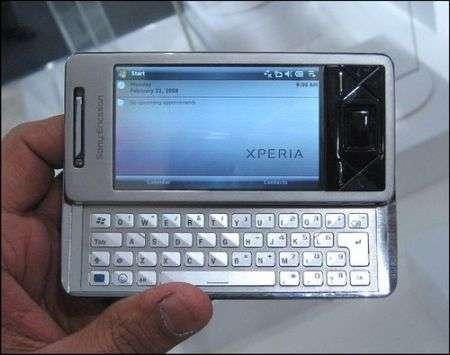 Saab 9-X Air con Sony Ericsson Xperia X1