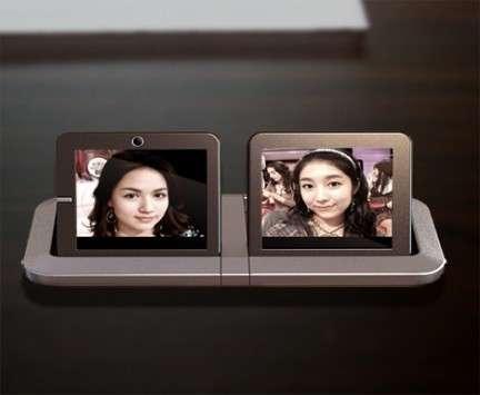 Cellulare a doppio schermo affiancato Eight