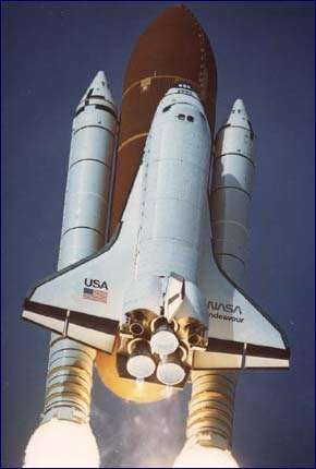 Shuttle Endeavour è partito per ristrutturare ISS