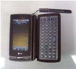 LG Versa: cellulare touch con tastiera staccabile