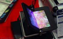 Cellulare Samsung con schermo OLED pieghevole