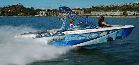 Barca Ibrida Epic Wakeboats 23E