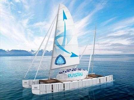 Barca fatta di 16.000 bottiglie