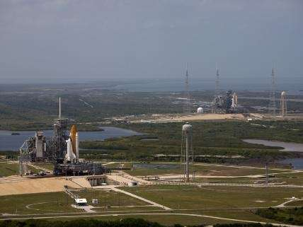 Due Shuttle al Kennedy Space Center