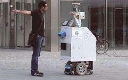 Robot che chiede indicazioni stradali