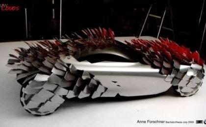 BMW Lovos auto a petali/scaglie solari