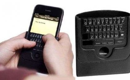 iTwinge: tastiera QWERTY fisica per iPhone