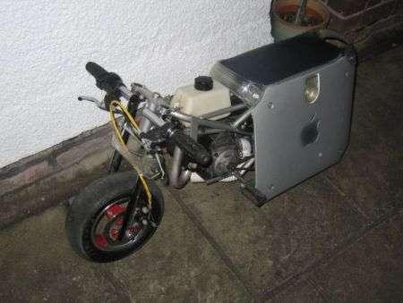 MOTO G4: in sella a un PowerMac G4