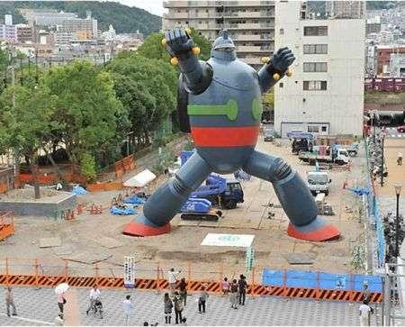 Robot Tetsujin gigante