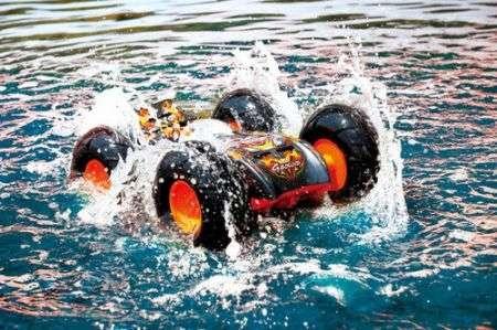 G-Bound: macchinina che va pure sull'acqua!