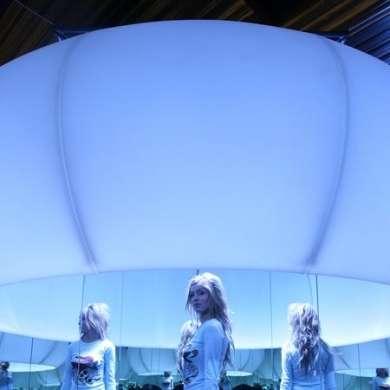 XXXLamp: la lampada grande come una stanza