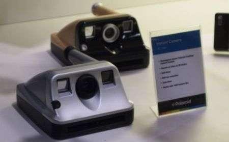 Polaroid PIC-1000 in legno o plastica