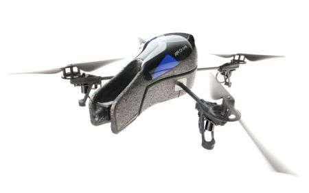 Parrot AR.Drone: quadricottero comandato via iPhone