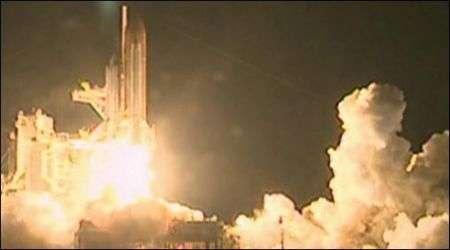 Shuttle Endeavour porta in orbita i moduli italiani