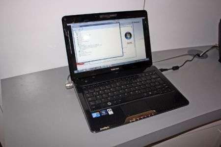 Toshiba Satellite T130 con connettività LTE