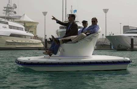 Divano-Barca all'Abu Dhabi Yacht Show