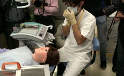 Robot-paziente per specializzandi dentisti, Hanako!