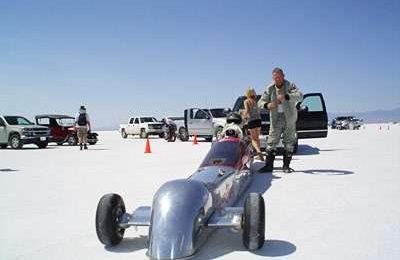 Auto: record di velocità con aria compressa