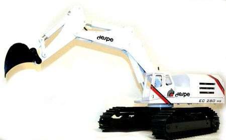 DESPE EC280MG, escavatore radiocomandato da 4000€
