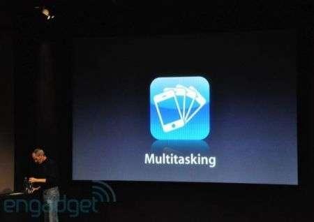 iPhone OS 4 è ufficiale, ecco il multitasking!