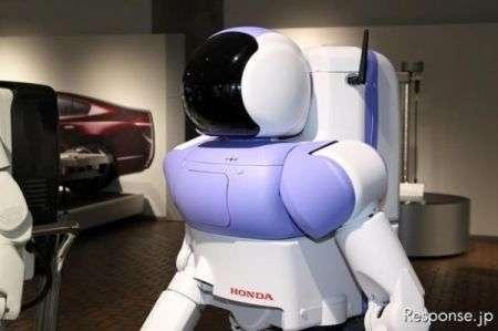 Robot Honda Asimo: restyling dopo 13 anni