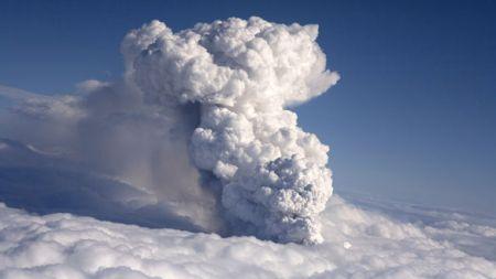 Rimborso voli cancellati per nube vulcano, le info online