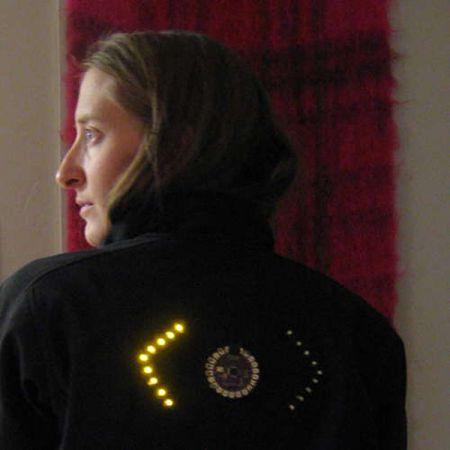 Giacchetta LED per la bici segnala le svolte